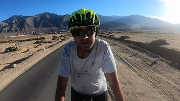 the blind indian cyclist conquering the himalayas