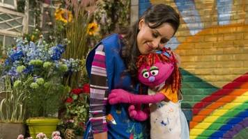 'sesame street' to feature character who is homeless