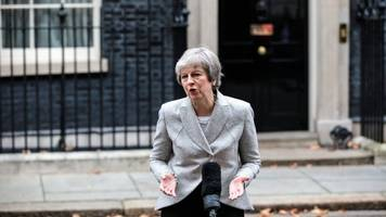 uk prime minister to face no confidence vote from her own party