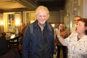 wetherspoon owner tim martin speaks to grimsby punters about his vision for brexit