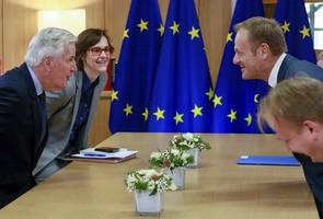 eu to wait and see before rethinking brexit timetable