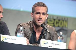 ryan reynolds wraps '6 underground' shoot in abu dhabi