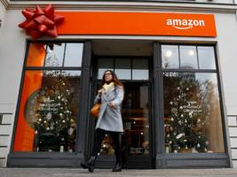 amazon is giving shoppers more time than ever before to place orders with free shipping in time for christmas as the war for customers rages (amzn)