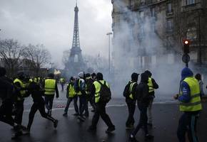 'We must keep going': Yellow vests plan further protests despite government pleas to stop
