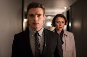 richard madden reveals one thing he must do for his mum before she'll watch his shows