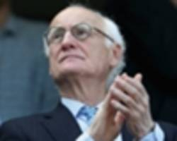 chelsea chairman bruce buck meets fans amid accusations of racism