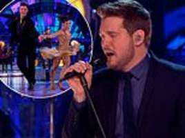 strictly come dancing final: michael bublé hit by sound gaffe
