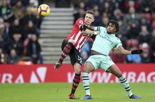 Arsenal's unbeaten run ends with 3-2 loss at Southampton