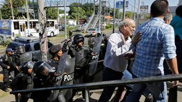 nicaragua police beat journalists, reports