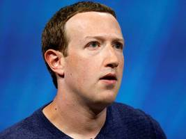Facebook's catastrophic year means Mark Zuckerberg lost more money than any of the world's 500 richest billionaires