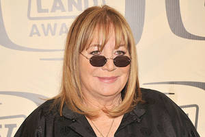 penny marshall, director and 'laverne & shirley' star, dies at 75