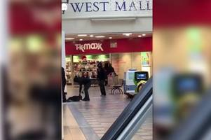 This is the dramatic moment armed raiders with swords rob Burton jewellery store