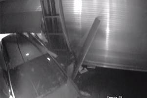 watch moment burglars ram-raid leicester currys pc world to steal £17.5k of stock