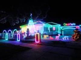 annoying christmas lights man spends weeks setting up synchronised display neighbours not impressed