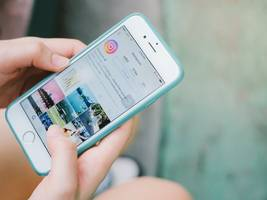instagram accidentally released an update that removed scrolling and replaced it with a horizontal feed. and people are furious.