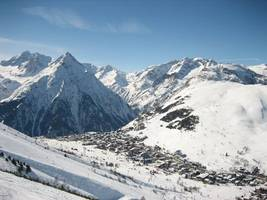 boy, 12, survives being buried in snow for 40 minutes after french alps avalanche