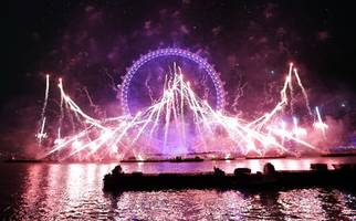 london mayor criticized for apparent anti-brexit message in new year's fireworks