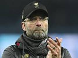 jamie carragher plays down liverpool's title chances after manchester city defeat