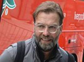 liverpool park the bus in manchester as jurgen klopp and stars arrive ahead of clash with city
