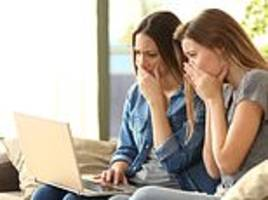 girls are twice as likely to show signs of depression linked to social media