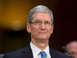 apple faces class-action lawsuit threat for not warning investors about tanking iphone demand