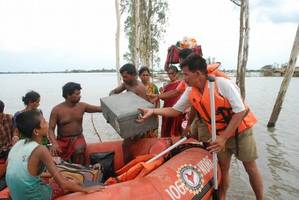 met sounds cyclone alert for andamans tourists