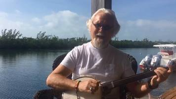 Sir Billy Connolly sorry for 'depressing' fans
