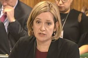 amber rudd pulls plug on plan to move 3 million claimants on to universal credit