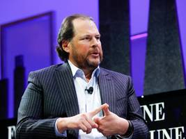 marc benioff says ditching his iphone and ipad on holiday helped him make a huge decision about salesforce's future