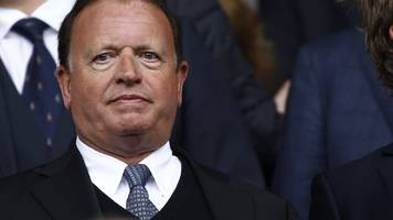 ken anderson: bolton chairman doing his 'utmost' to sell