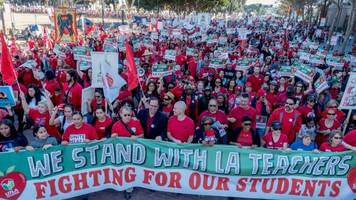 thousands of los angeles teachers are ready to go on strike