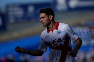 leeds united to miss out on alaves winger as sheffield united edge closer to landing striker