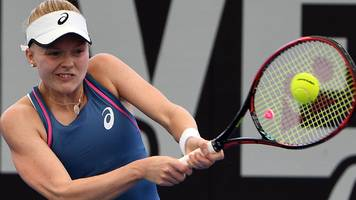australian open: harriet dart wins qualifier, naomi broady & gabriella taylor out