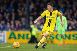 ex-sheffield united defender kieran wallace signs contract with burton albion