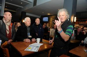 wetherspoons boss tim martin heckled in hull during brexit pub crawl