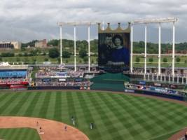 a tv news helicopter caught a game of 'mario kart' being played on the kansas city royals' 106-foot tall jumbotron screen (ntdoy)