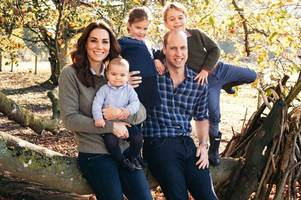 eagle-eyed royal family fans reckon kate middleton is pregnant with fourth royal baby
