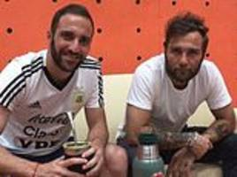 Gonzalo Higuain's agent touches down in London as Chelsea step up interest
