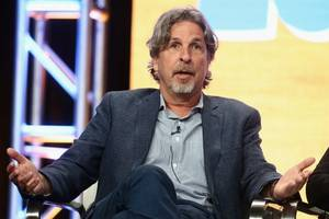 'green book' director peter farrelly sorry for flashing penis in the past: 'i was an idiot'