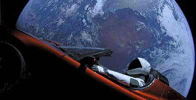 here's how a tesla and spacex crossover could pave the way for flying taxis (tsla)