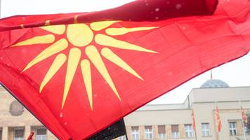Macedonia parliament agrees to change country's name