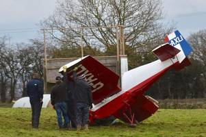 plane crash lands in somerset field before 'flipping over'