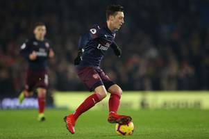 lucas torreira says what all the arsenal fans want to hear about 'incredible' mesut ozil