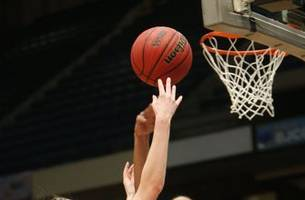 Column: Alabama hoops star goes to court to get on the court
