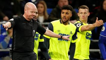 cardiff 0-0 huddersfield: terriers awarded penalty, before referee changes his mind