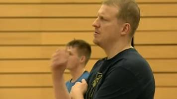 coach ty shaw taken ill during worcester wolves match