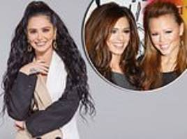 cheryl reveals she once snogged her girls aloud bandmate kimberley walsh during boozy night out