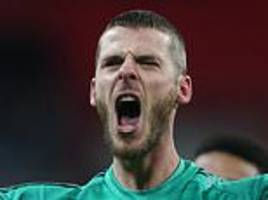 david de gea waiting on £300,000-a-week offer from before signing new contract at manchester united