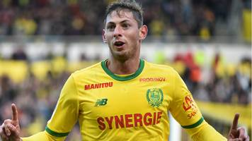 Emiliano Sala: Nantes striker travelling to Cardiff for transfer talks