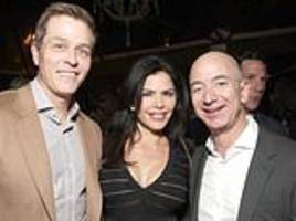 jeff bezos and lauren sanchez seen dining before relationship began